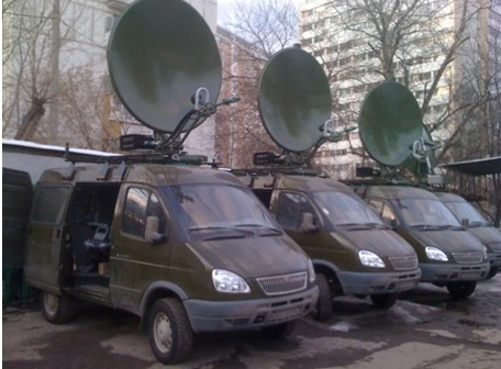 Мобильный наземный комплекс спутниковой связи и передачи данных